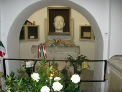 mussolini's tomb